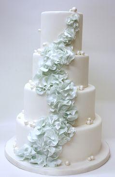 Light blue flowers cascading Lulu
