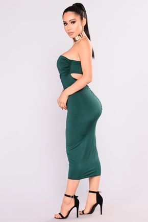 Available In Cognac And Hunter Green Strapless Midi Dress Ruched Detailing Open Back Design Shell: 96% Polyester 4% Spandex Lining: 100% Polyester Made In USA