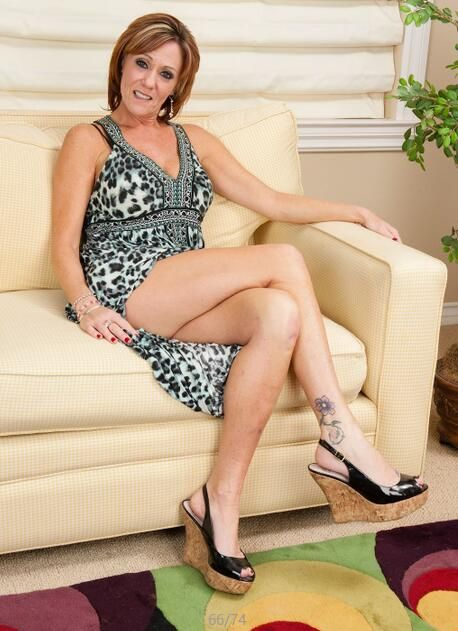 king single mature ladies Here you will find a large collection of free older women galleries sorted by popularity for  focused on free mature picture galleries.