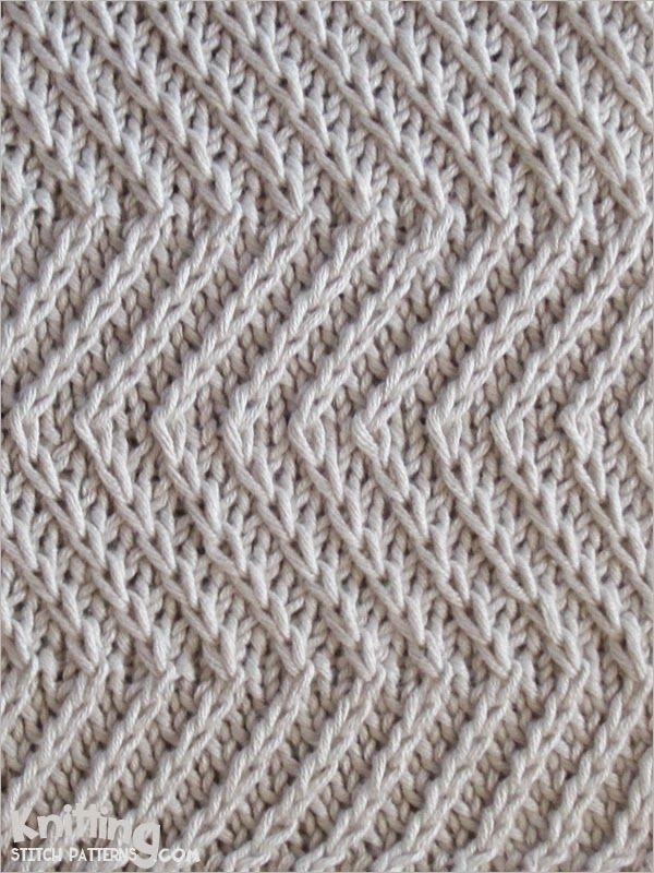 Twist Zig Zag stitch - Skill: Intermediate  |  Yarn shown in this swatch: Katia 100% cotton.   |   Needles: US 3 - 3.25mm.