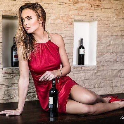 Guten Morgen 😍 ein traumhaftes Bild von einem unsrer Shootings 👍🏼Fotograf: @christianfischbacher  #gutenmorgen#photo#photoshoot#shooting#instaphoto#love#styling#beauty#studio#salzburg#austria#beautyblogger#inspiration#daily#makeup#hair#stylist#fantastique