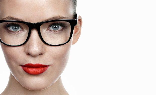 Perfekcyjny makijaż dla okularnicy!   JejŚwiat.pl