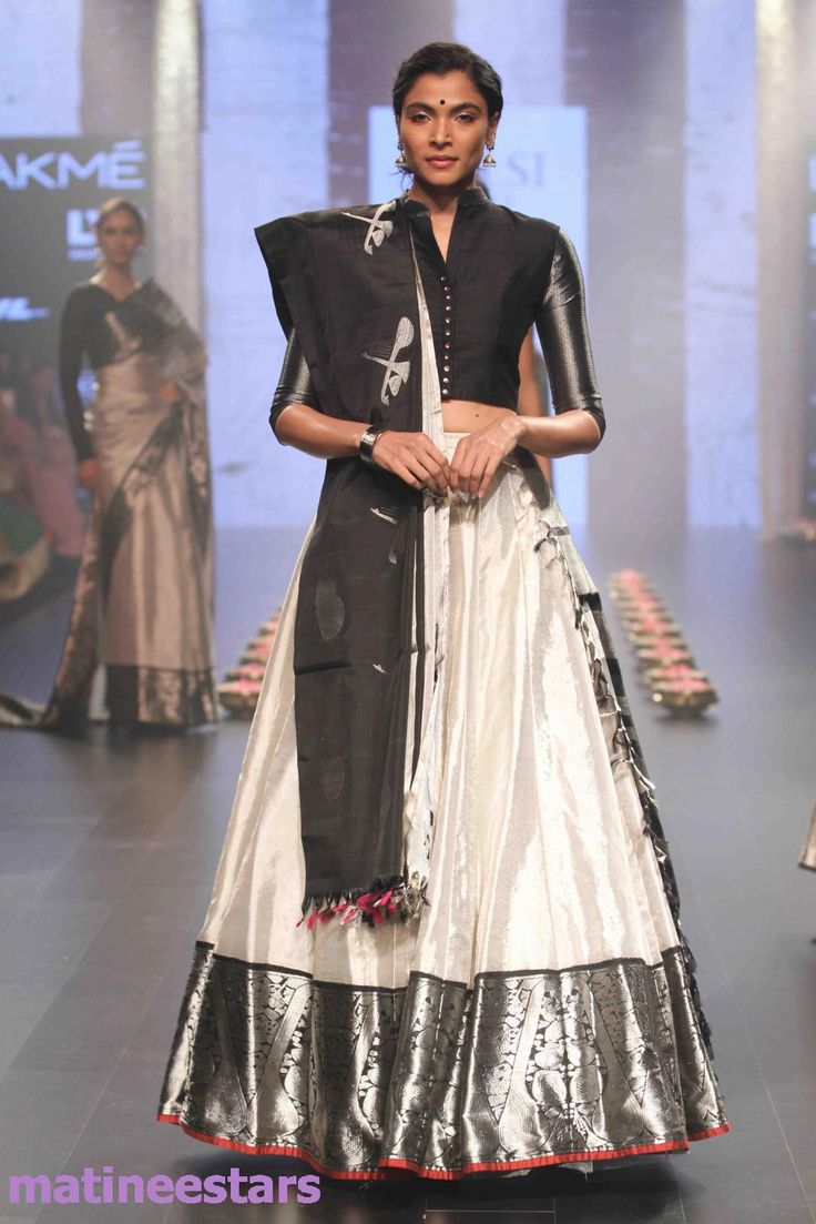 Models Walks For Santosh Parekh At Lakme Fashion Week Winter Festive 2016 - Hot Models Photo Gallery - High Resolution Pictures 34