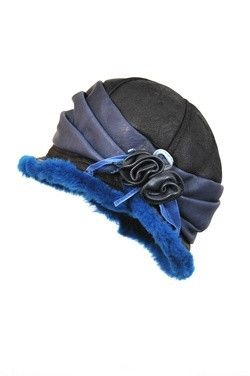 This 1920s vintage stylish leather hat will warm you every day during grey days of autumn and the cold winter. You will be dazzling every moment you wear it. Th