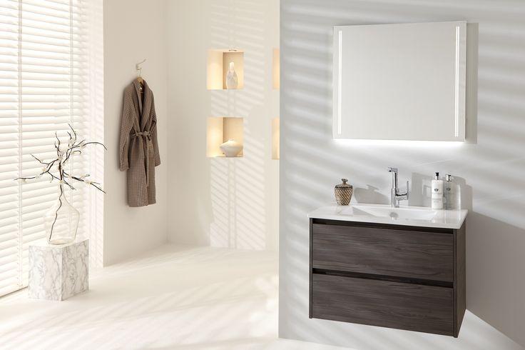 Model: Dreamz | Width: 80 cm | Color: M77 Fleetwood Lava | Type: C | Modern, brown bathroom vanity with SPON mirror.