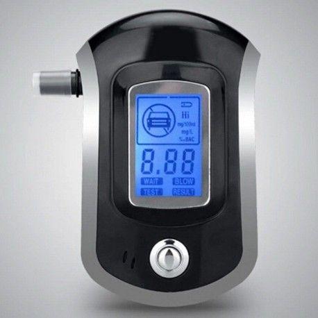 Model: AT6000 Undgå at udsætte dig selv eller andre for fare inden du sætter dig ind i bilen. Med denne smarte alkoholtester model AT6000 kan du smart og net teste om din promille er for høj til at køre i bil eller motorcykel. Denne model har følgende funktioner: Benytter 3 stk AAA batterier (er ikke inkluderet)  Hurtig svar på test Digital LCD display med lyseblå baggrund Audio advarsel ud over forudindstillet grænse Egenkontrol på følerfejl Indikator for lav spænding