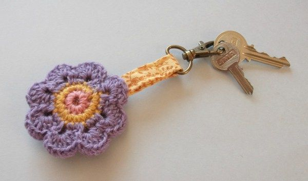 15 - Llavero ganchillo granny crochet lana tutorial hazlo tu mismo diy regalo Lolahn Handmade - Acabada