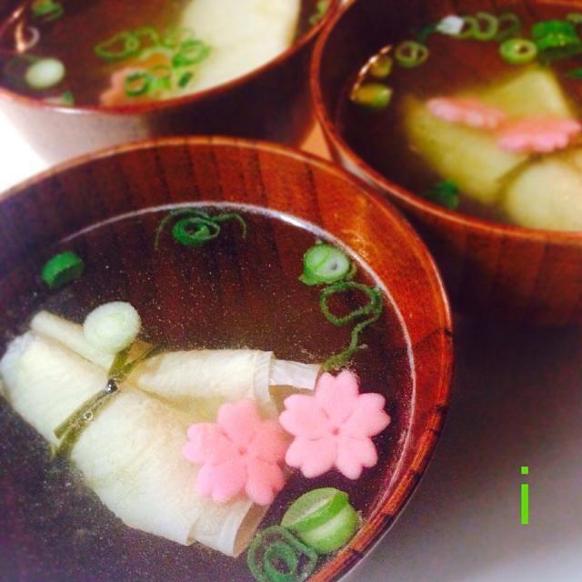 京都、錦市場で買った、結び湯葉と桜麩を使って、春気分どすえ〜♪ - 36件のもぐもぐ - 結び湯葉と桜麩のお吸い物 by izooming