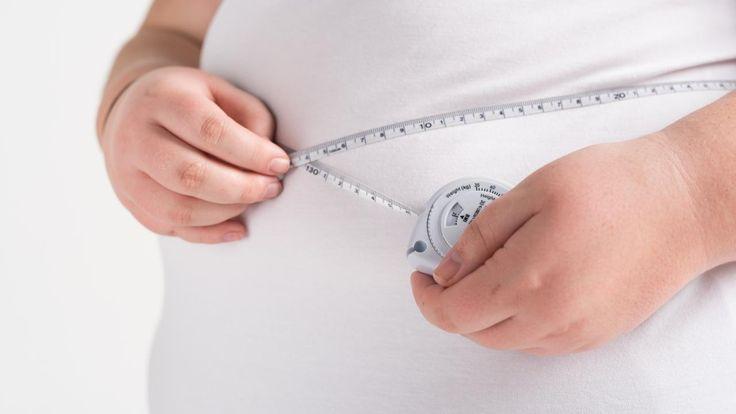 Mensen waarbij het vet vooral op de buik zit, ook wel een appelfiguur genoemd, lijken een hoger risico te hebben op vroegtijdig overlijden dan mensen met overgewicht of obesitas met een peervorm.
