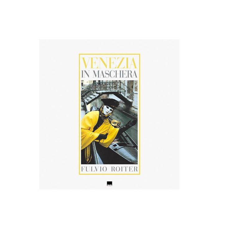 I rii e le calli di Venezia fanno da sfondo alle magiche fotografie di Fulvio Roiter accompagnate dai bellissimi testi del giornalista e scrittore Ivo Prandin.