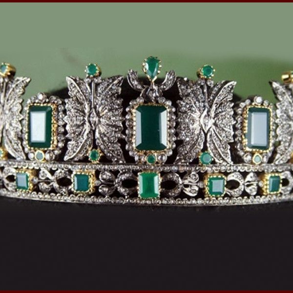 15.85 Ct Rose Cut Diamond Emerald Sterling Silver Victorian Vintage Tiara Crown