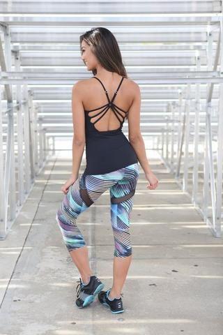 Cropped Workout Leggings #colorfulleggings #croppedpants