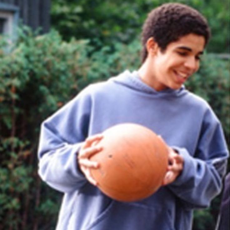 Cute tb! He was so young! Jimmyy #drake degrassi Days