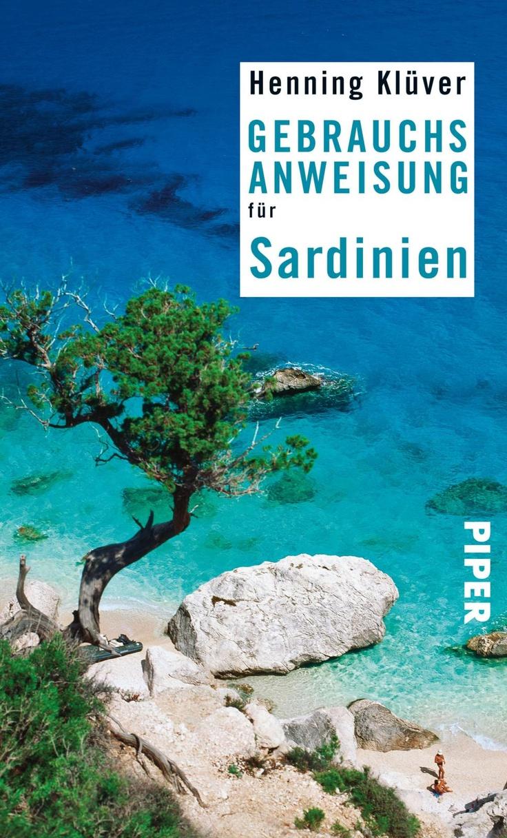Sardinien, Sehnsuchtsort vieler Reisender, offenbart mit verborgenen Buchten, prähistorischen Nuraghen und archaischen Traditionen ein ganz anderes Italien. Wie ein eigener Kontinent ruht die zweitgrößte Mittelmeerinsel im türkisblauen Meer.