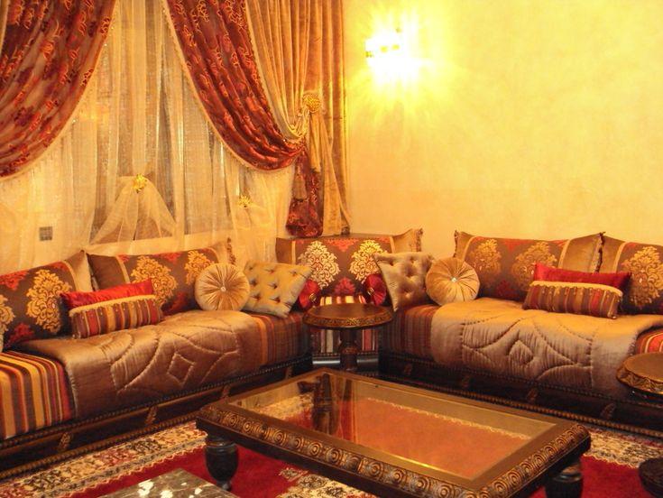 Les 25 meilleures id es de la cat gorie tissu salon for Decoration kabyle