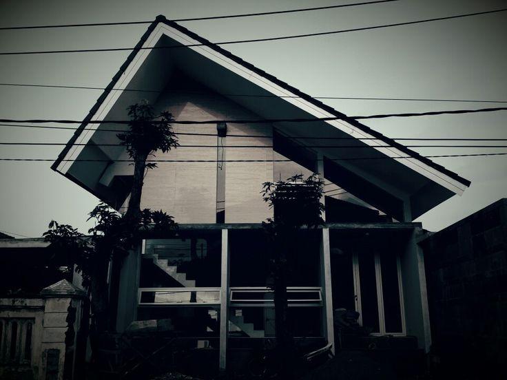 On progress ,rumah atap pelana