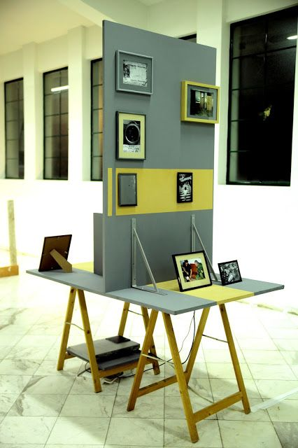 Giorgos Papadatos ,  Transitional monument for the future , (Repubblica di Napoli in grayscale), monitor, framed prints, wood,  2016
