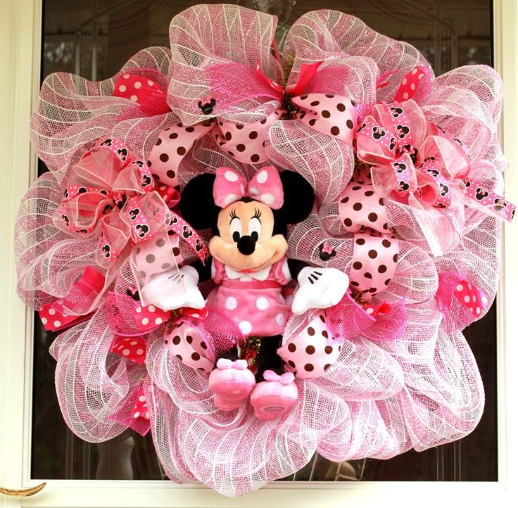 Spring Minnie Mouse Door Wreath. Or for a baby shower
