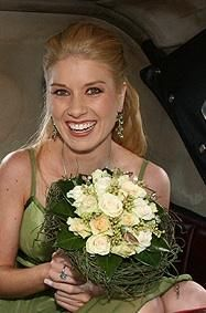 www.makeupandhairbyhannah.com Floristry by Hannah
