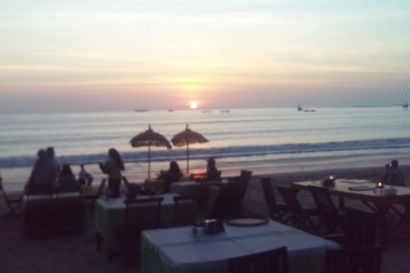 JIMBARAN BAY Jimbaran is one of the famous tourist destination spot is located just south of the island of Bali, Ngurah Rai from a distance of 10 minutes from Kuta while taking 15 minutes... #bali #trip #tripsbali #seafood #sunset #romantic #candlelightdinner #wave #beach