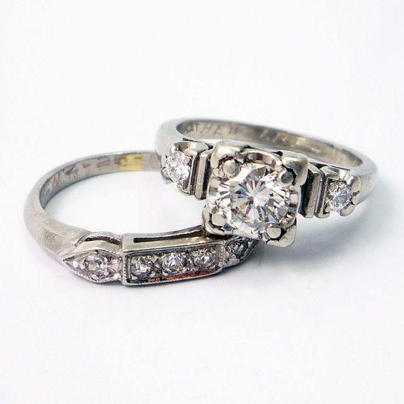 Reminds me of GrandmaR's. Platinum Vintage Retro 1940s Diamond Engagement Wedding Ring Band Set ~ Absolutely Love this set!