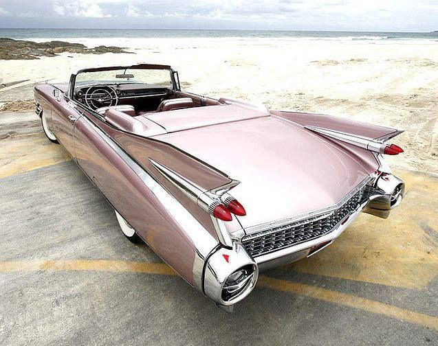 If cars still looked like this, guys and gals would be getting lucky every day. 1959 Cadillac Eldorado Biarritz