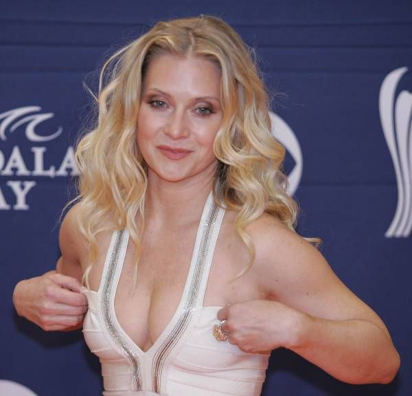 emily procter west wing - Google Search | Gorgeous ...