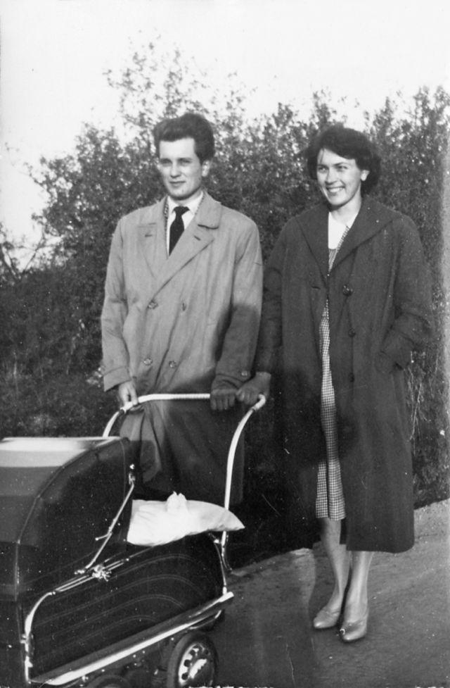 Takíto sme boli kedysi mladí a zaľúbení! Nádherné fotky zo starých čias dokazujú, že láska môže vydržať aj celý život | Casprezeny.sk