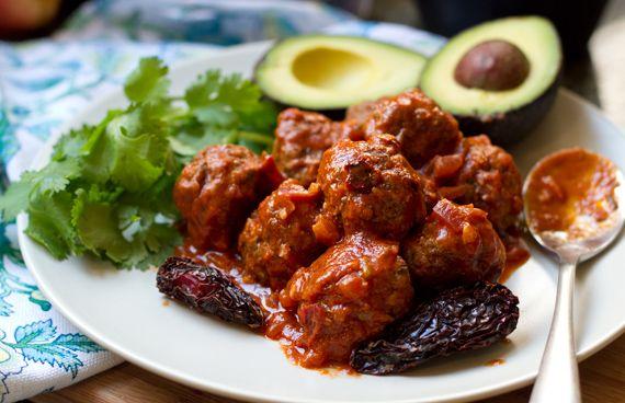 Chipotle Meatballs #EatDrinkPaleo Chipotle Meatballs, Spicy Chipotle ...