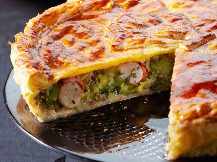 Découvrez la recette Tourte aux Saint- Jacques sur cuisineactuelle.fr.