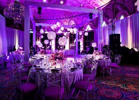 Sofistike mor düğün masa süsleri