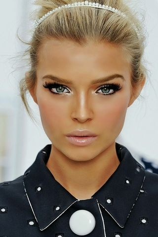Love this makeup look.