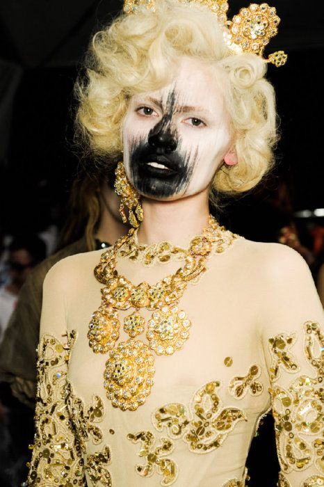 Black mask model