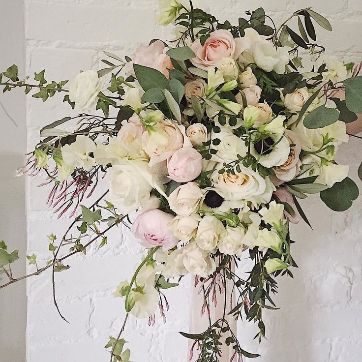 The day is finally here! After setting up Farnham Castles tasting event I'm off to London Town to attend Holly Chappell's London Designers course for the next three days. So be prepared for lots of florals on a mass scale over the next few days. This image is Rose's Bridal bouquet in all its wildness. Not easy to photograph but Shelly has a lovely arm in the image. Hope you all have an exciting day too!