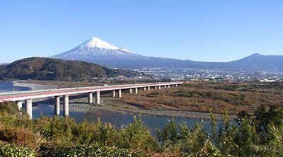 富士山が大パノラマのレストラン | SA・PAのおすすめ情報 | サービスエリア・お買物 | 高速道路・高速情報はNEXCO 中日本