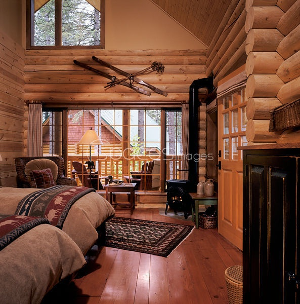 lake house bedrooms rustic bedrooms guest bedrooms log cabin interiors