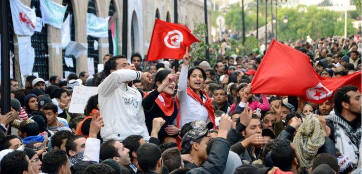 Avec ce prix Nobel de la paix, le Comité vient rappeler au bon souvenir du pouvoir tunisien que le pays de la révolution de Jasmin est, sous le regard du monde, l'exemple de la démocratie possible pour un monde arabe aujourd'hui bouleversé.