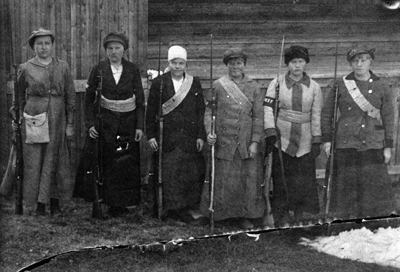 Female soldiers of the Red Guard during the Finnish Civil War, 1918.