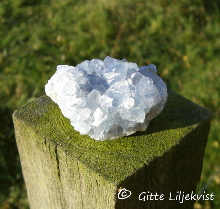 Fynda stenar i naturen - Kristallakademin