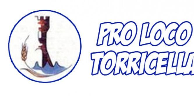 """Pentolaccia di Carnevale a Torricella (TA).   """"vinì partecipati a nnu bellu sciuecu"""" :)"""