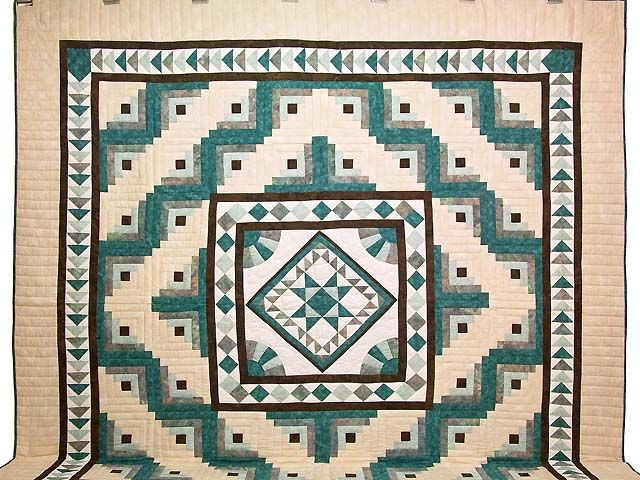 Flying Geese Log Cabin Medallion Quilt -- marvelous cleverly made Amish Quilts from Lancaster (hs5402)