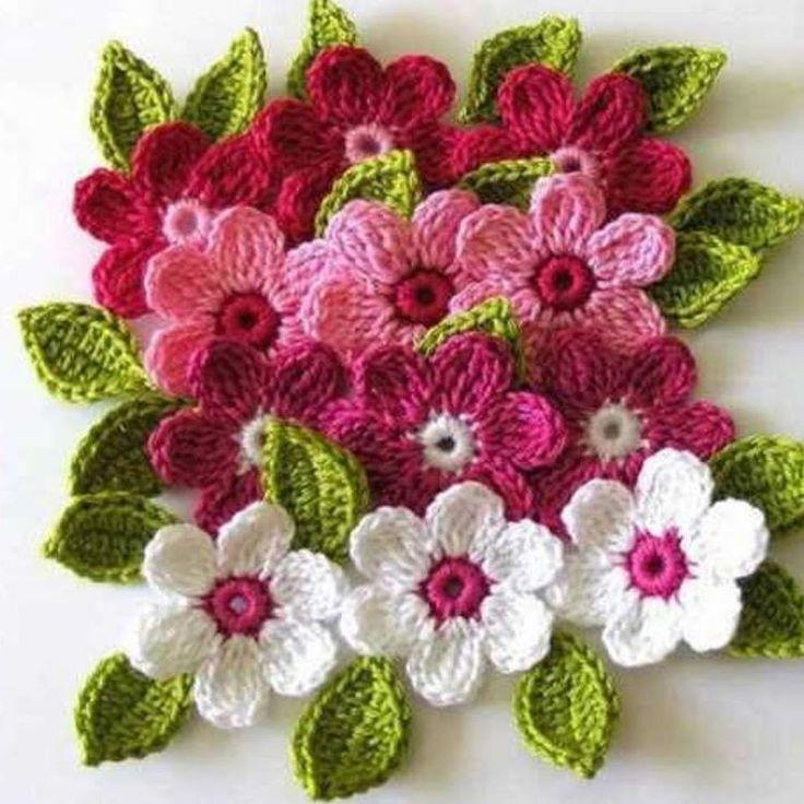 Hayırlı cumalar ����19 mayıs gençlik ve spor bayramı bütün gençlerimize kutlu mutlu olsun ����ben bugünlerde çiçek örüyorum ilkbahar geldi ama havalar bir türlü düzelmedi bende kendimi çiçeklerimle motive edeyim ��burası buz gibi sizin oralarda havalar nasıl huzurlu keyifli akşamlar ���� . . #cicek #croche #orgu #crochet #amigurumi #örgüm #tigisi #elişi #elörgüsü #birlikteörelim #örmeyi #seviyorum #hook #virka #knitt #keşfet #insta #instagood…