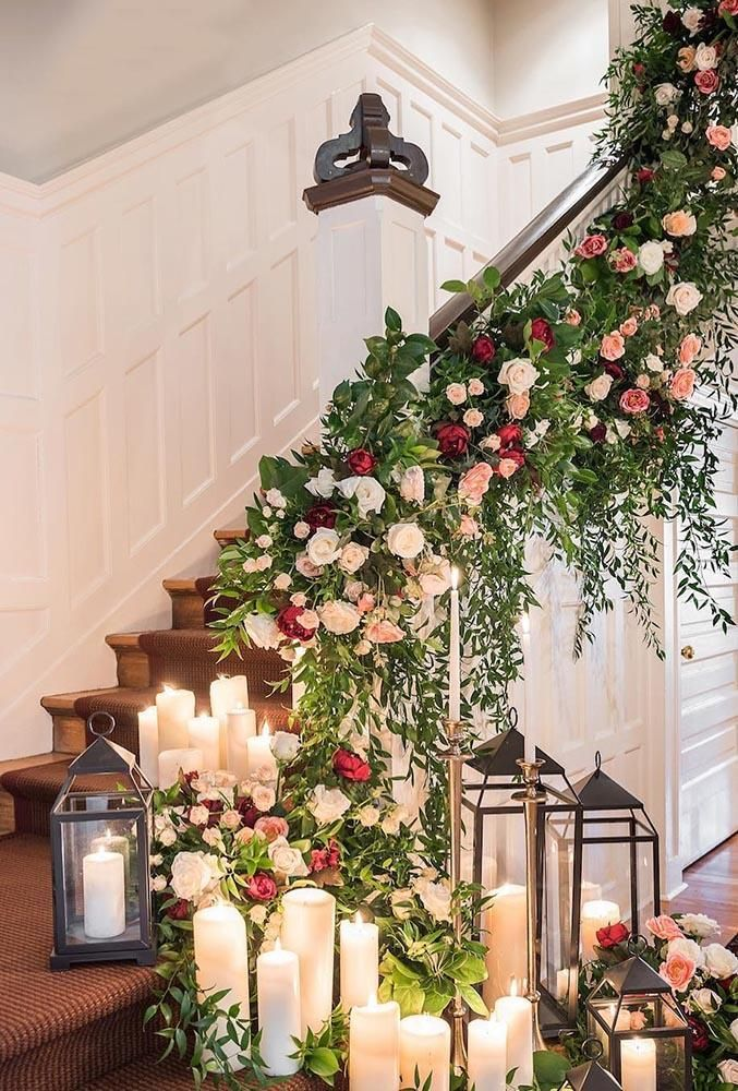 21 Chic Wedding Flower Decor Ideas Wedding Forward Christmas Wedding Decorations Wedding Staircase Wedding Flowers