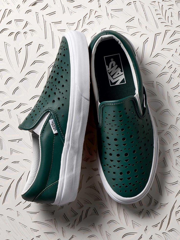 Vans Classic Slip on Cut Out Geo Schwarz Damen Sneakers