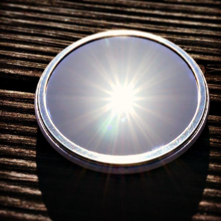 Sous le soleil (breton!) exactement... pas à côté, pas n'importe où... sous soleil, sous le soleil... exactement, juste en dessous! #mmds #reflet #miroir #soleil