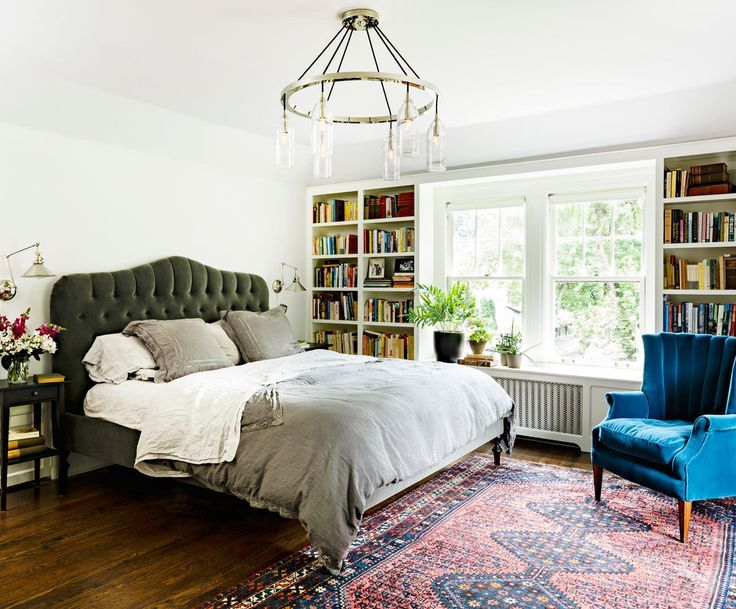 A warm and inviting bedroom