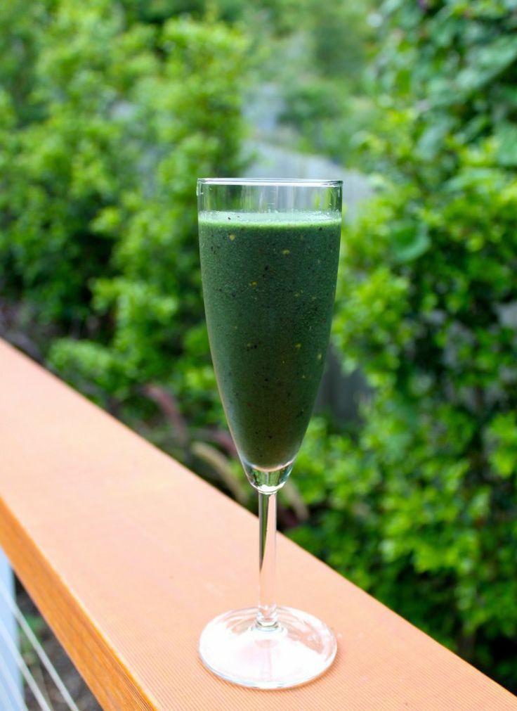 WELLNESS WARRIOR GREEN SMOOTHIE:  spirulina, maca powder, hemp seeds, bee pollen, goji berries