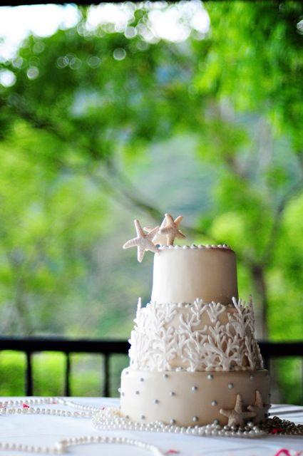 Understated sea inspired Wedding cake