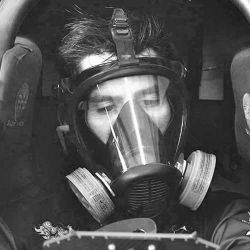 Larry Dixon has to wear a Gasmask during his warm up Session