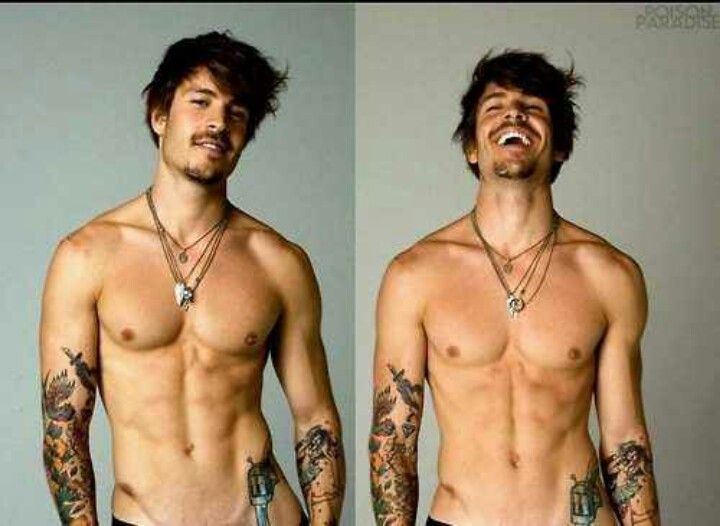Tattoos are hot. Like omgeee *.*